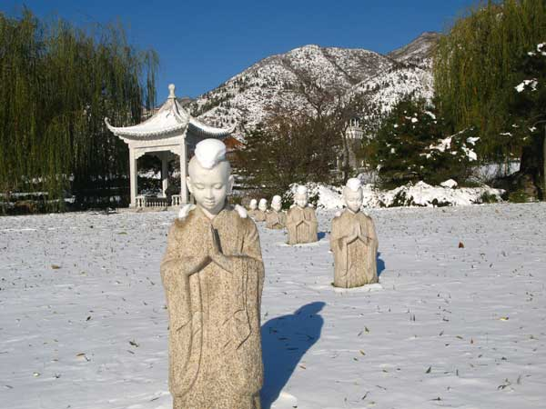 天寿陵园冬日雪景