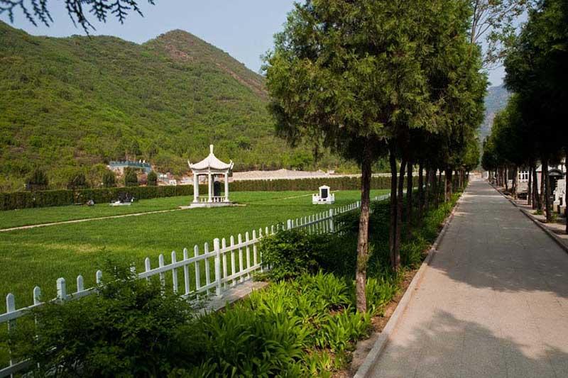 德陵公墓景色