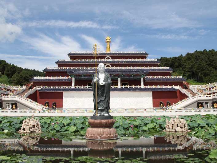 5清东陵万佛园雕塑