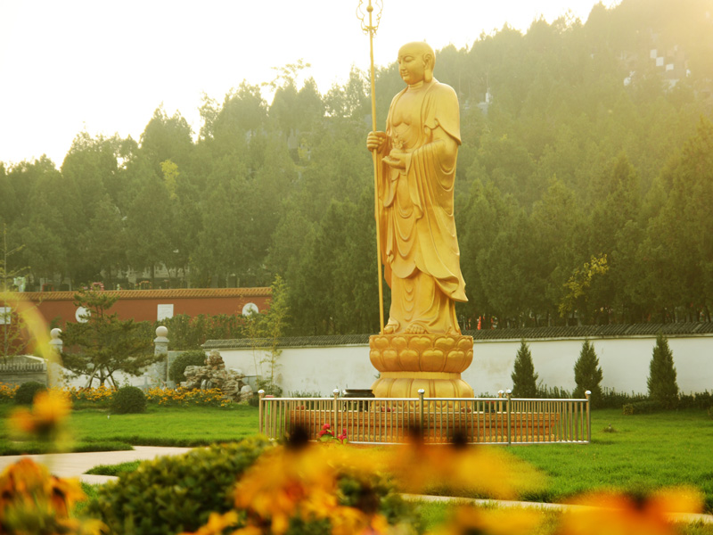 4陵园雕像
